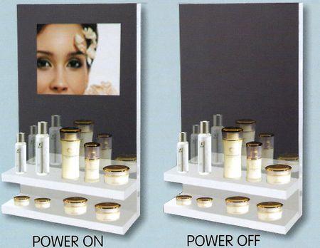 écran lcd - présentoir affichant en fond un écran lcd et/ou un miroir